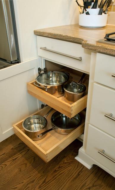Roll-Out Trays Storage | CliqStudios.com