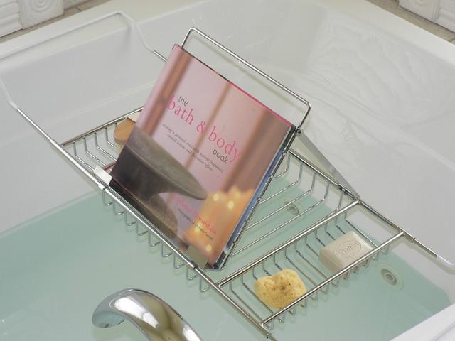 Jumbo Bath Caddy with Book Rack