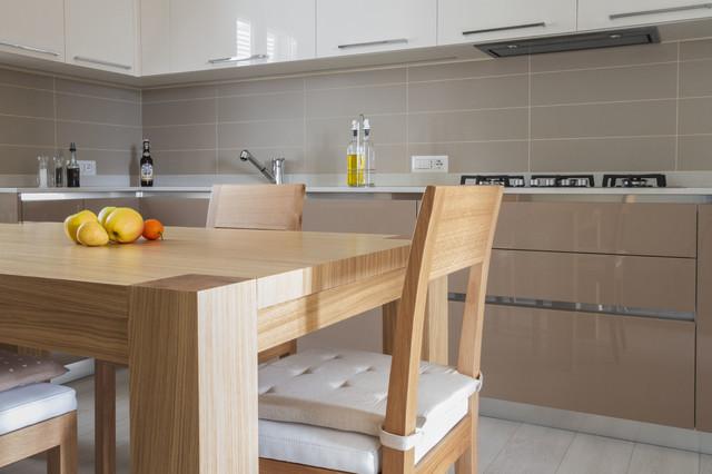 Cucina laccata lucida senza maniglie cucina nera lucida smepool.com