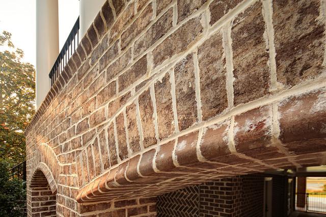 Walnut Creek Tudor Brick Home North Carolina コンテンポラリー