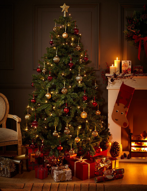7ft traditional green christmas tree traditional christmas trees by marks spencer. Black Bedroom Furniture Sets. Home Design Ideas