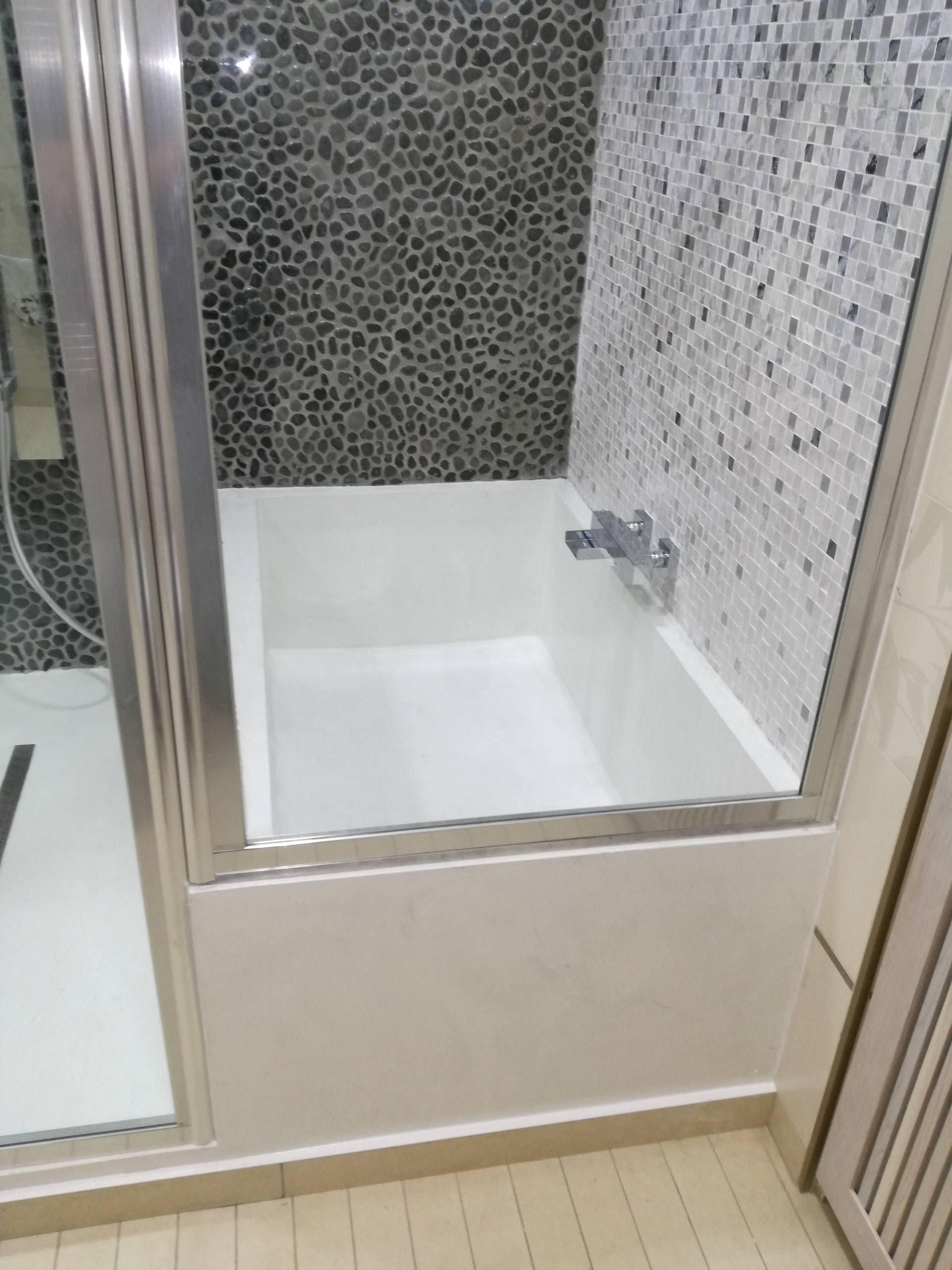 Vasca da bagno in resina