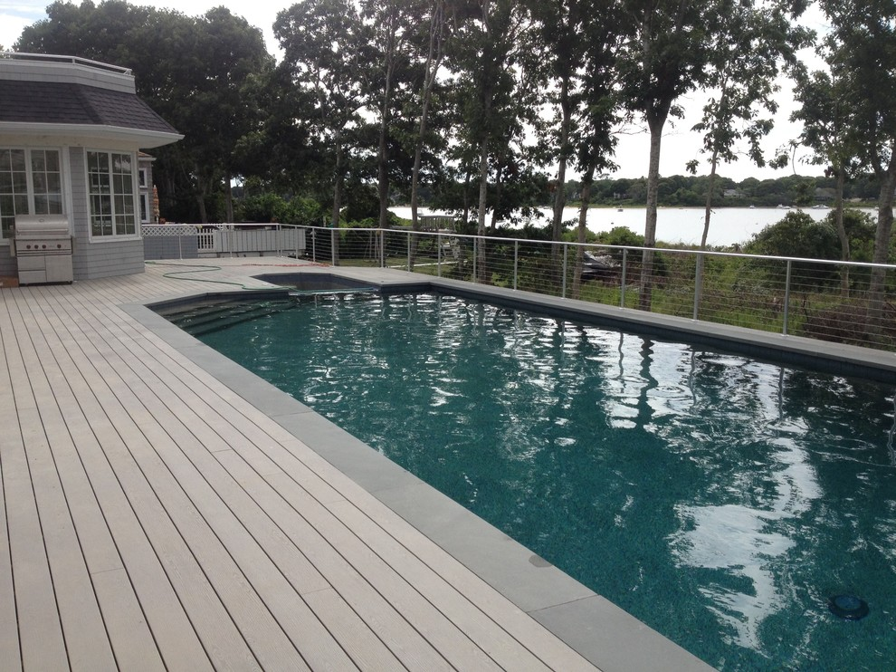 Deck with integrated pool and spa - Falmouth
