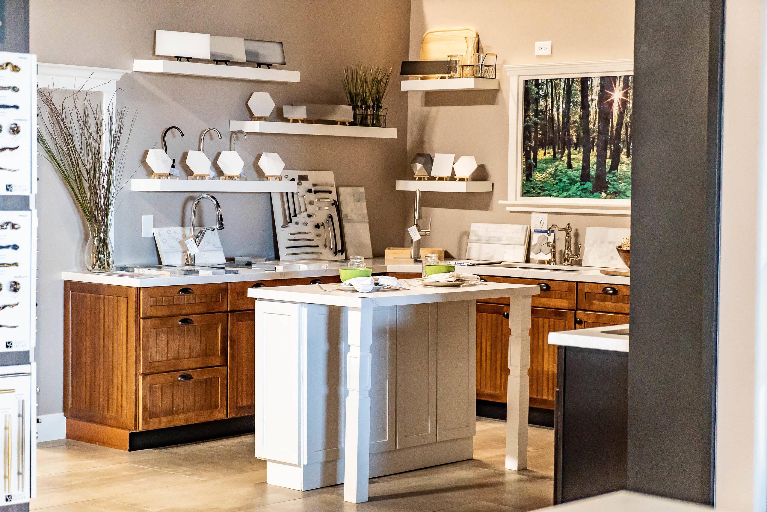 Showroom - Side Kitchen