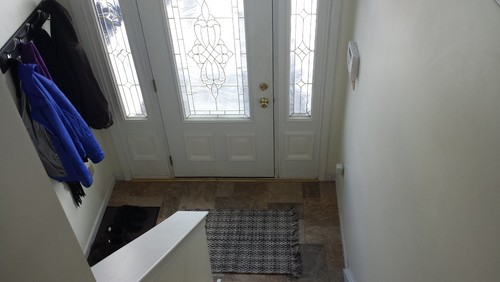 Need help with bi level entry way for Bi level foyer ideas