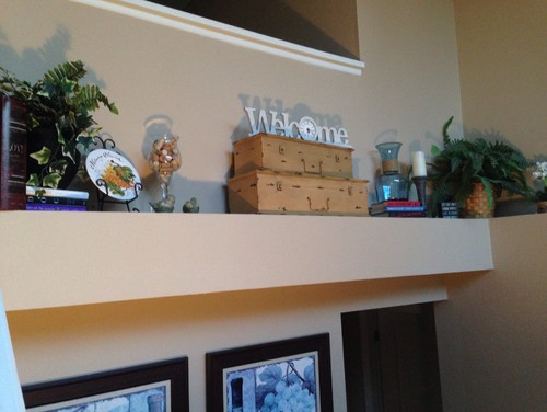 Pot shelf ideas for Pot shelf decorating ideas
