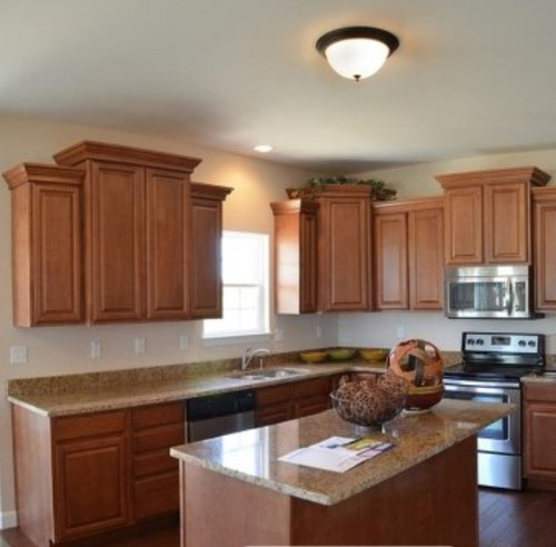 Maple Kitchen Countertops: Which Countertops, Backsplash, Etc. With Traditional