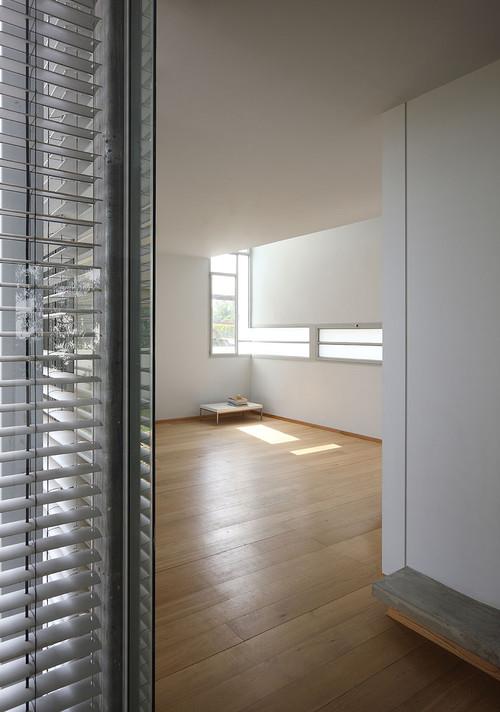 modern  by Amitzi Architects