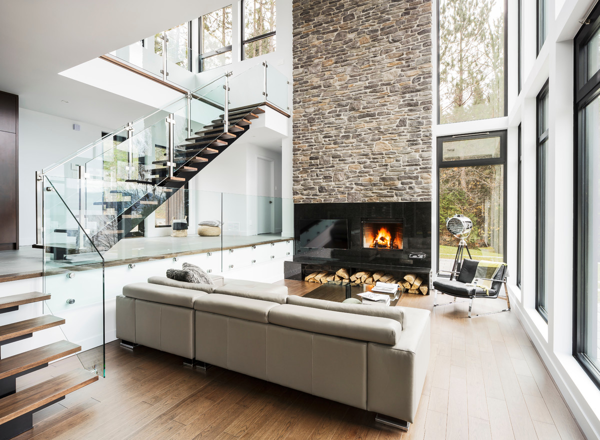 Good Urban Style Home With High Ceilings
