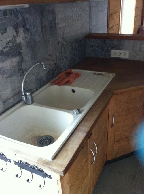 besoin d 39 aide pour ma cuisine bloc vier et plan de travail moul. Black Bedroom Furniture Sets. Home Design Ideas