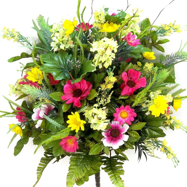 36 Stems Artificial Lilac Daisy And Black Eyed Susan Yellow Velvet Contemporary Flowers Plants Trees By Admired Nature