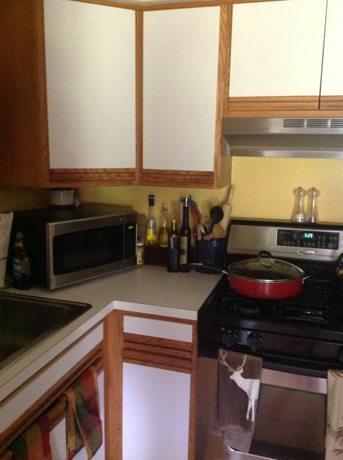 Help! 80s laminate kitchen nightmare...