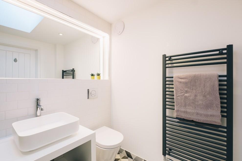 浴室背景墙北欧风格装饰图片