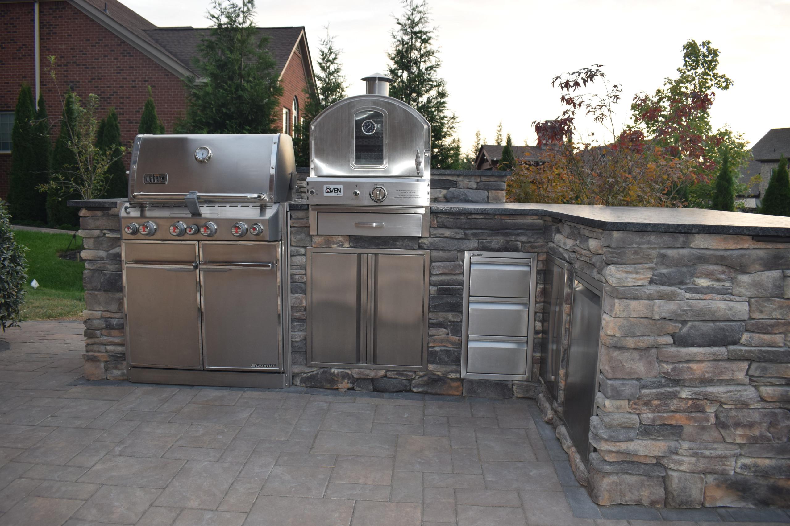 Tiered patio w/Kitchen