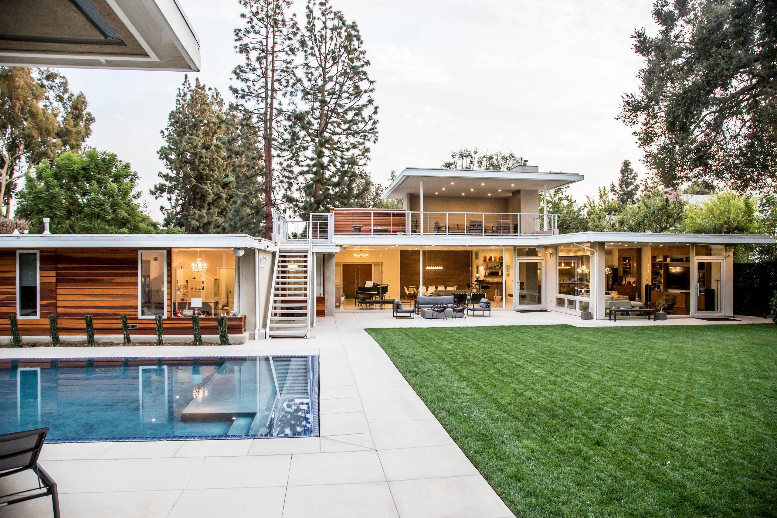 Mid Century Modern Residence in Pasadena, CA