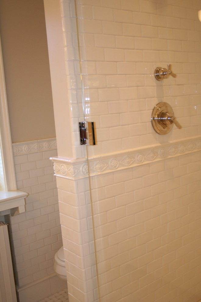 ceramic wainscoting in bathroom