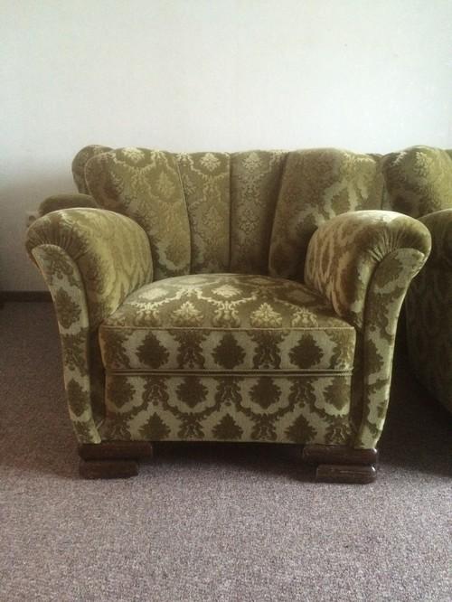 sofa und sessel suchen stylische umgebung. Black Bedroom Furniture Sets. Home Design Ideas