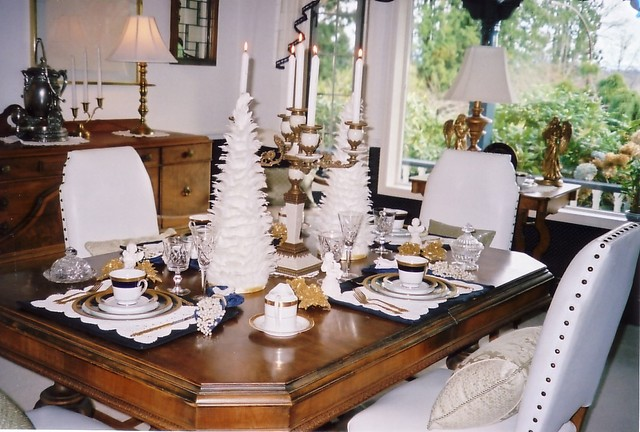 Frenchflair traditional-dining-room