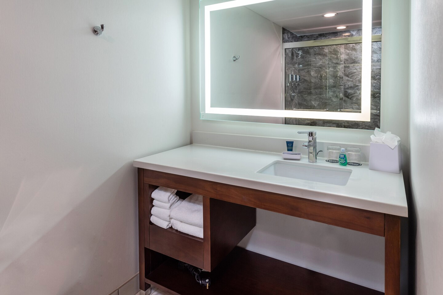 Bathroom vanity, mirror LED