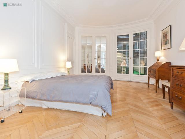 chambre parentale dans un appartement haussmannien classique chic chambre paris par. Black Bedroom Furniture Sets. Home Design Ideas