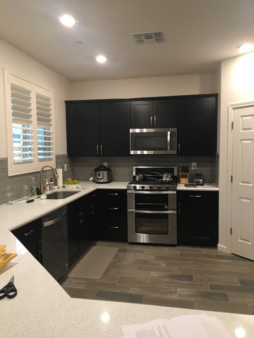 paint color for kitchen with espresso cabinets gray backsplash