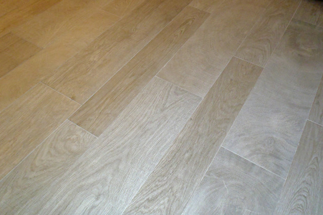 Wood Look Porcelain Tile Staggered Installation To Look