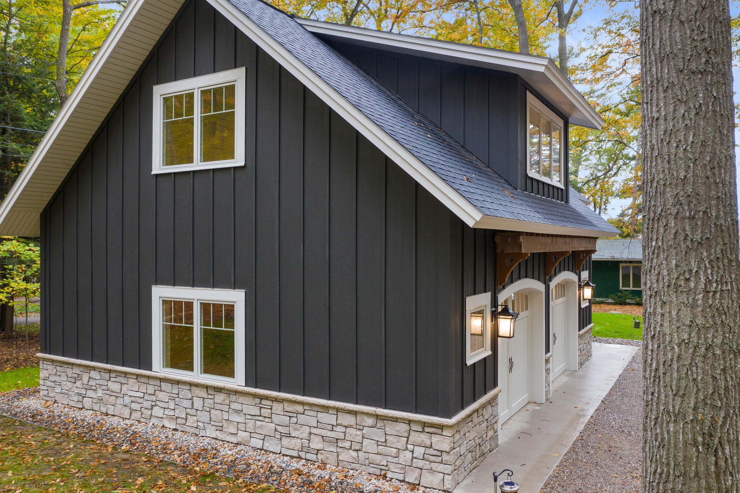 Petite Modern Farmhouse