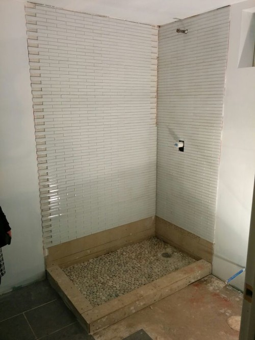 Bathroom Wall Tile Install   Tile Edge Goof Up