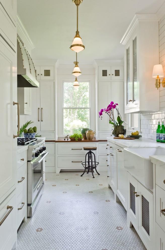 Home design - small traditional home design idea in Austin