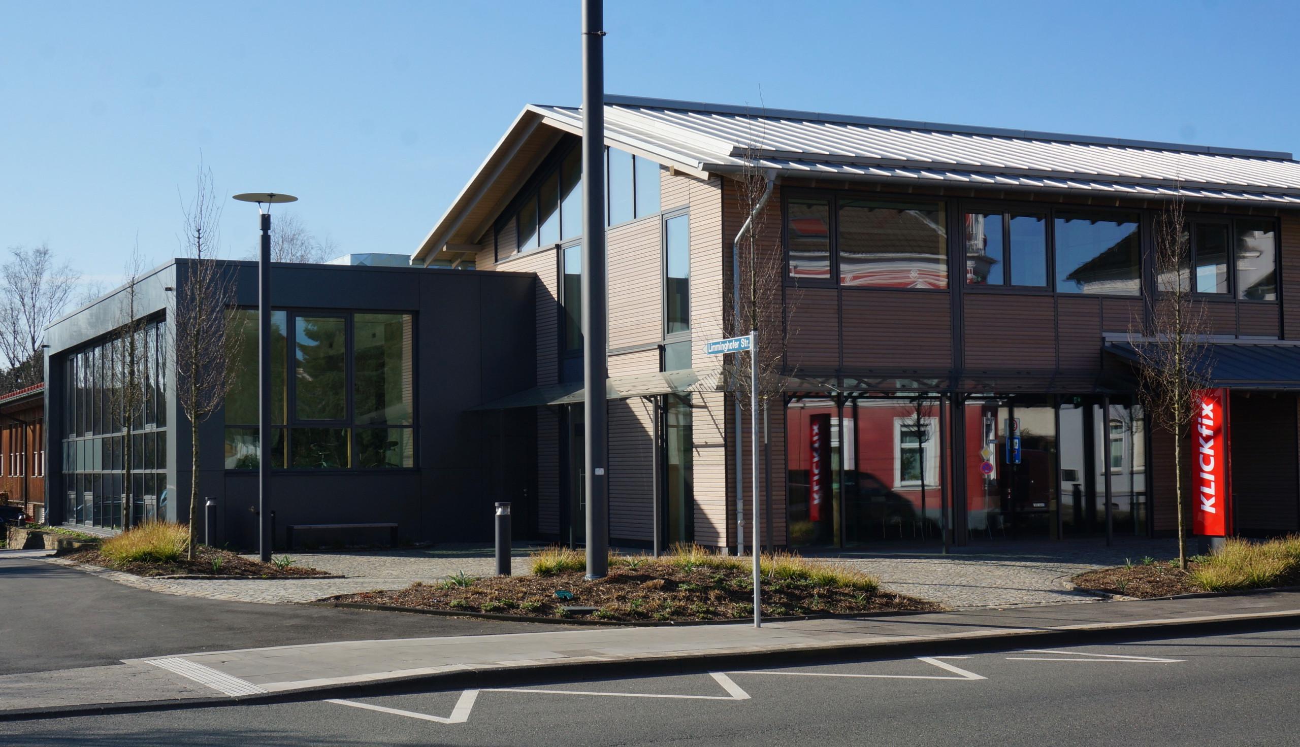 Schulungs- und Shopgebäude Klickfix