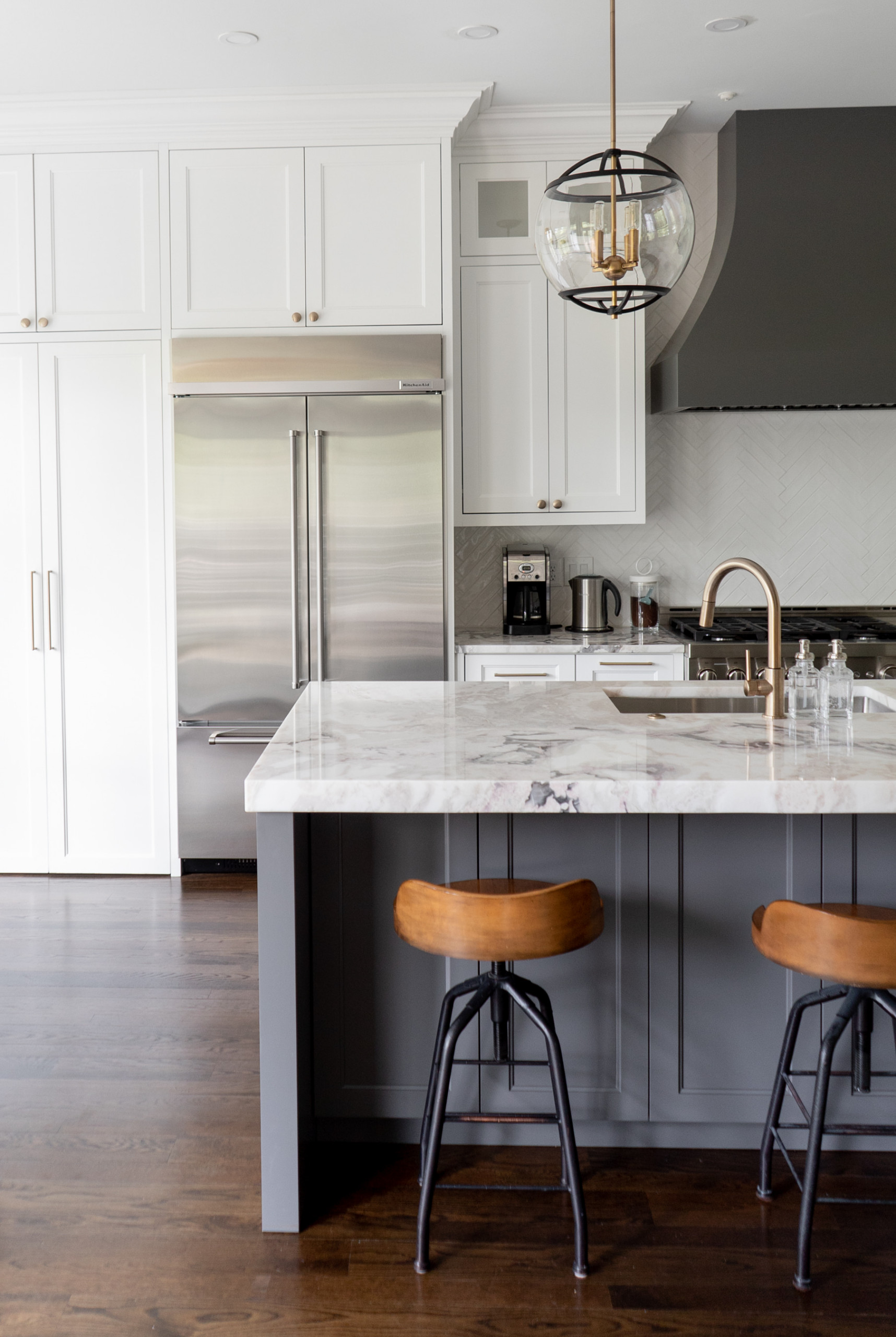 East Cobb beautiful and magnificent kitchen