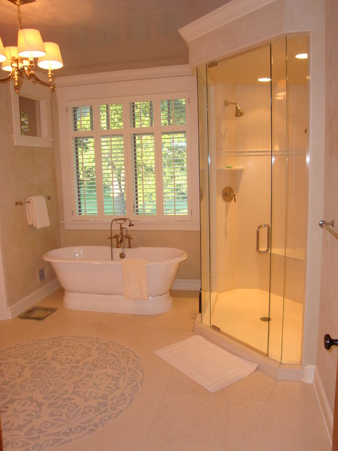 Golf Course Residence Traditional Bathroom