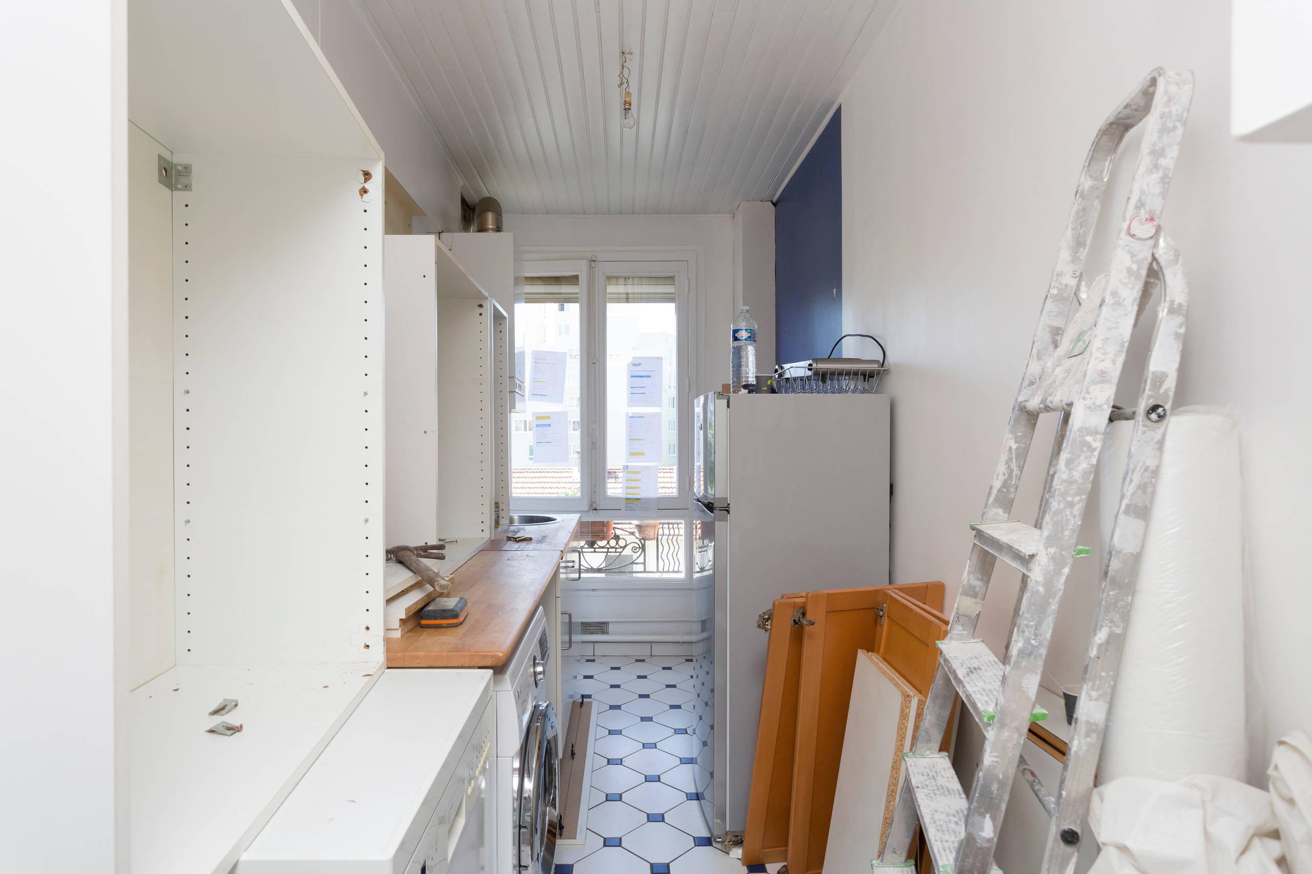Rénovation d'une cuisine avec une verriere bois