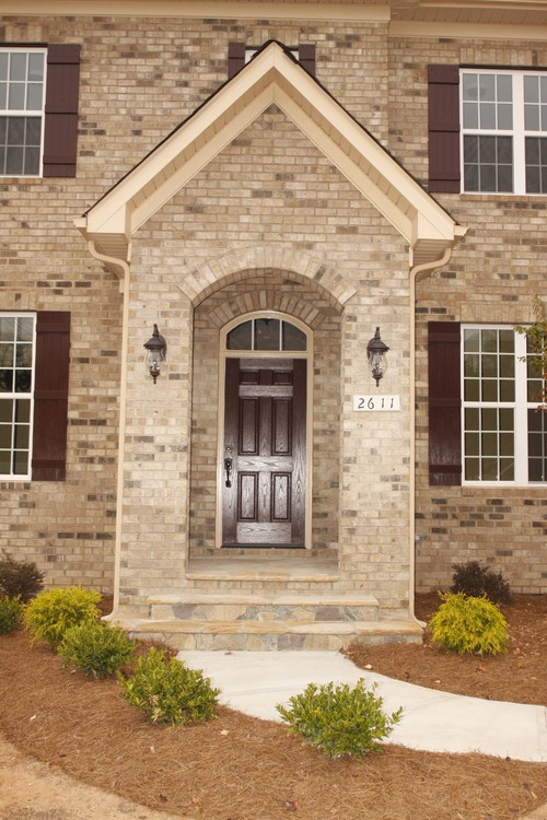 My Home Has A Similar Brick Trim Color As This House Does I Am Wanting A Red White Or Black
