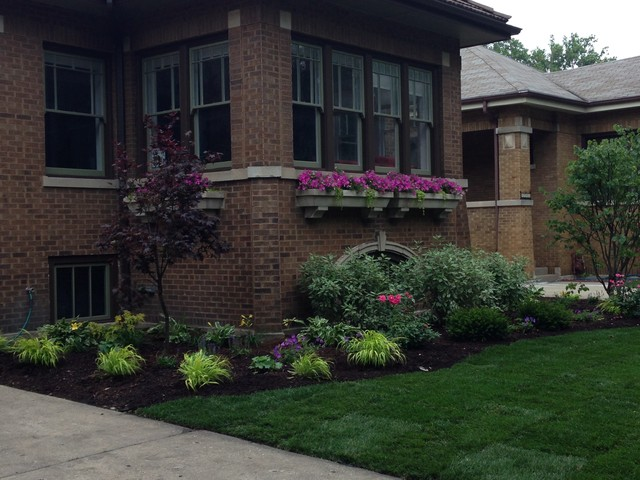 Ravenswood manor bungalow craftsman chicago by for Landscape design chicago
