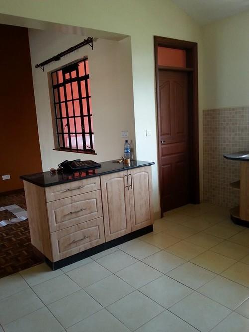 colori cucina su pavimento beige