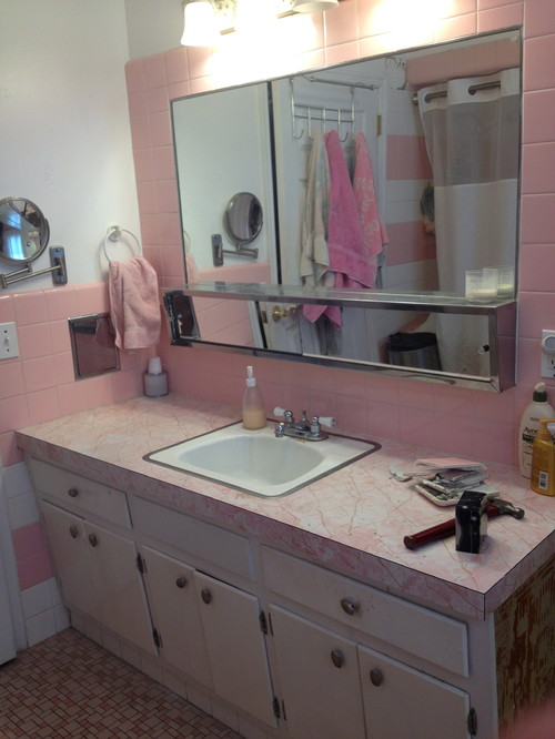 Not pretty in pink my 1960 39 s bathroom for 1960s bathroom design