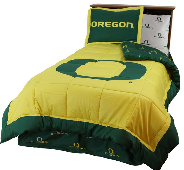 Queen College Covers Oregon Ducks Printed Dust Ruffle