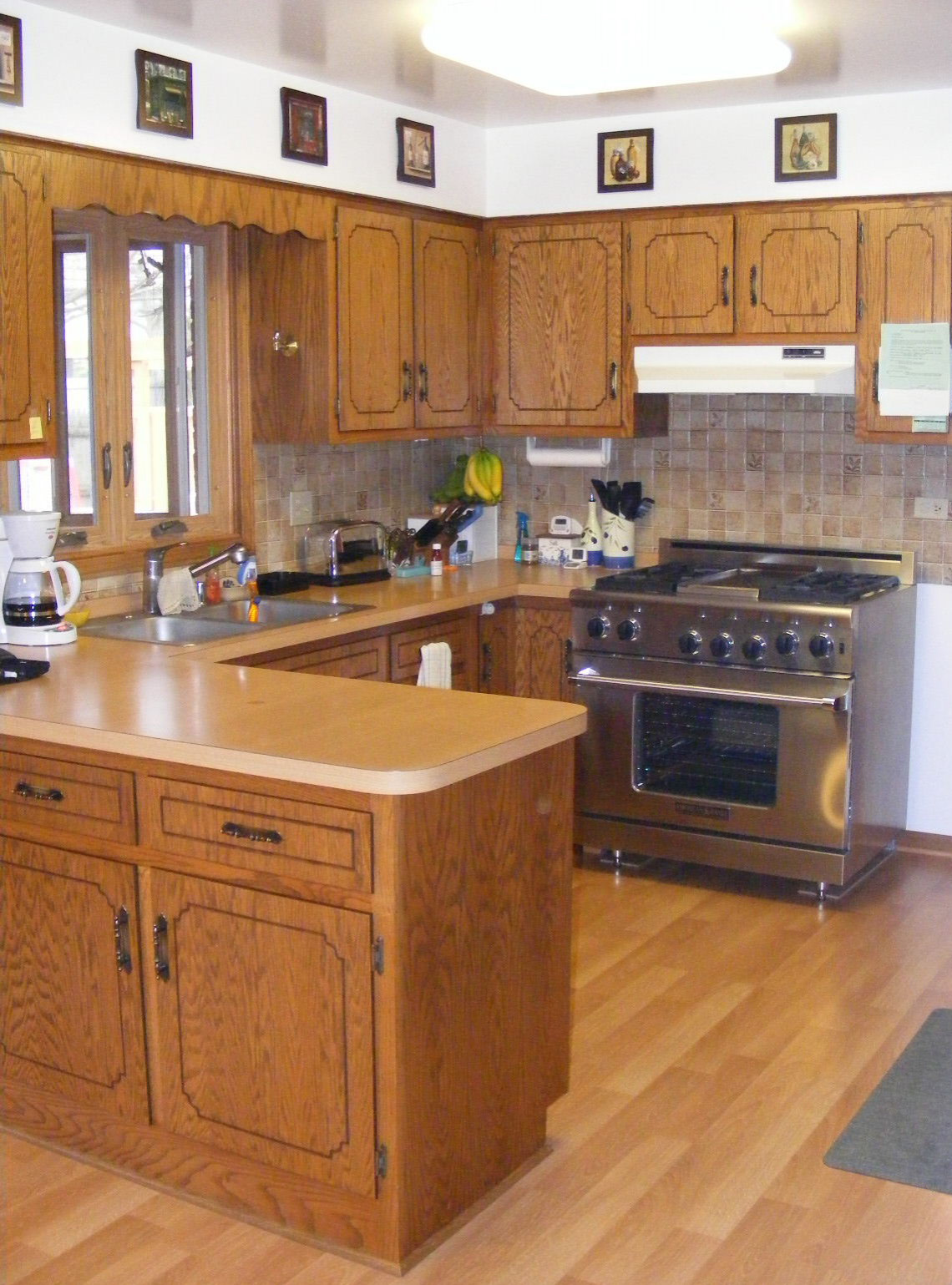 Traditional Kitchen Makeover -BEFORE