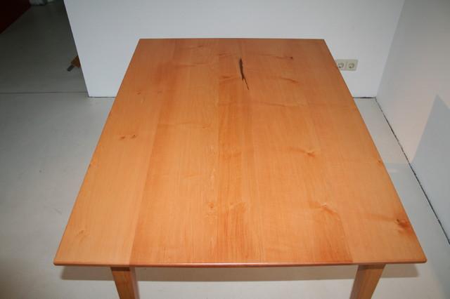 Tisch in spitzahorn berlin von rm2 raum m bel for Tisch bild von ivy design