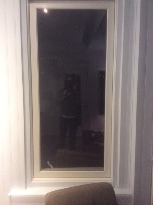 Merveilleux Window Separating Two Rooms
