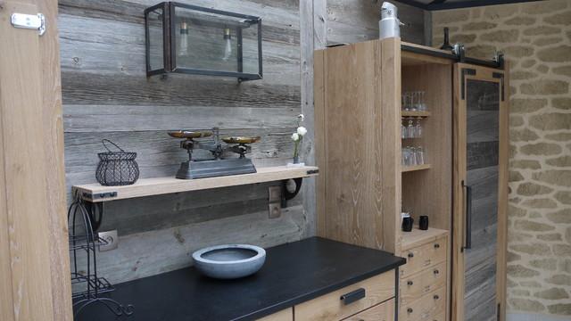 top projet agencement cuisine meubles chne crus et brut vieux bois with cuisine en vieux bois. Black Bedroom Furniture Sets. Home Design Ideas