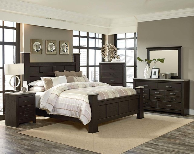 Attirant Stonehill Dark Bedroom Set Traditional
