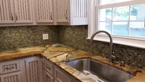 Mountain Lake House Kitchen Backsplash