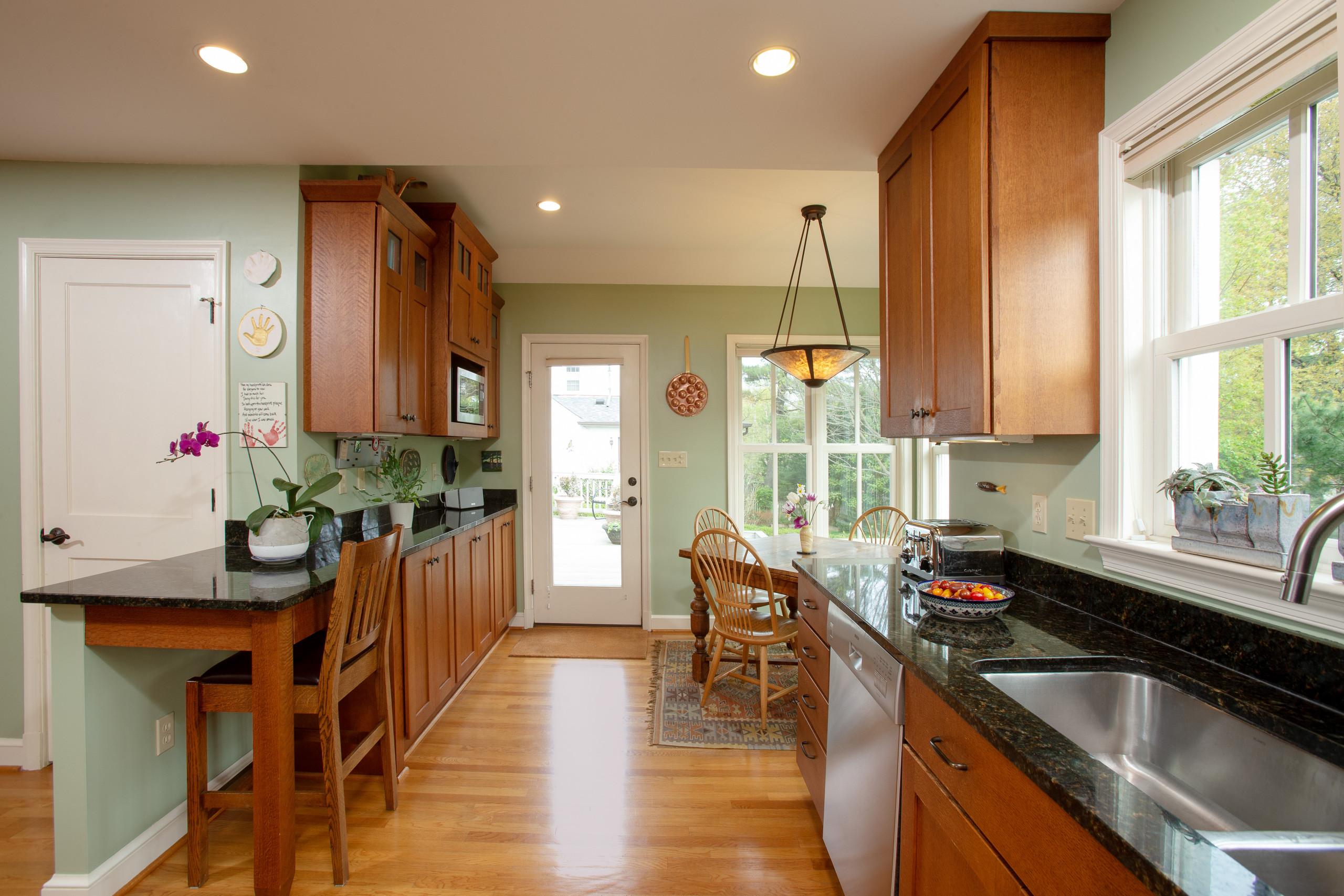Quartersawn Oak Kitchen