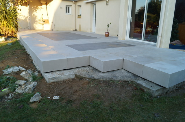 Pose carrelage sur plot 28 images carrelage design 187 for Pose carrelage exterieur sur plots