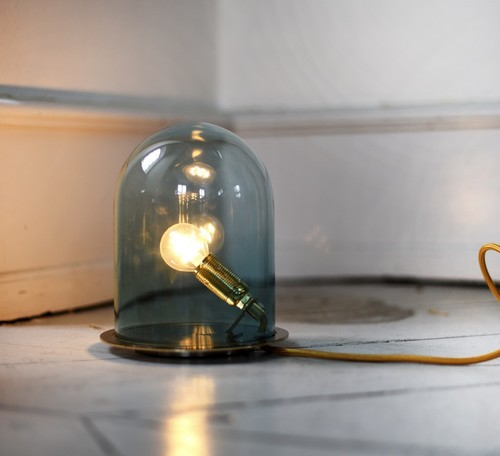 LAMPE CLOCHE, GLOW IN A DOME, BLEU, BASE LAITON, H21CM - EBB AND FLOW