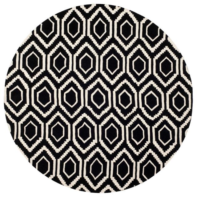 Safavieh Leila Hand-Tufted Rug, Black And Ivory, 7&x27;x7&x27; Round.