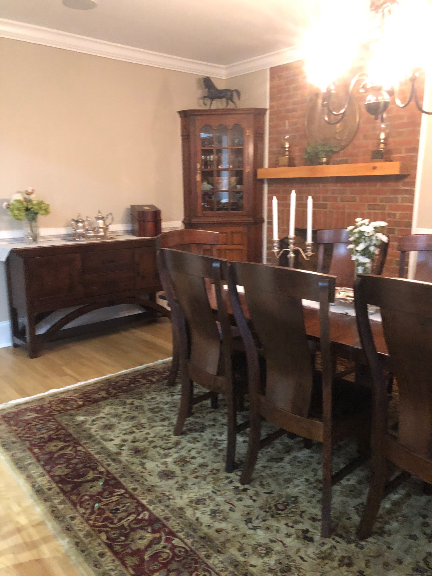 Traditional Farmhouse Dining Room