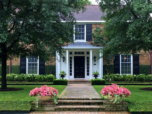 Inspiration for a timeless home design remodel in Houston
